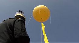 Schachtzeichen - Gelbe Ballons als Symbol des Kulturhauptstadtjahres